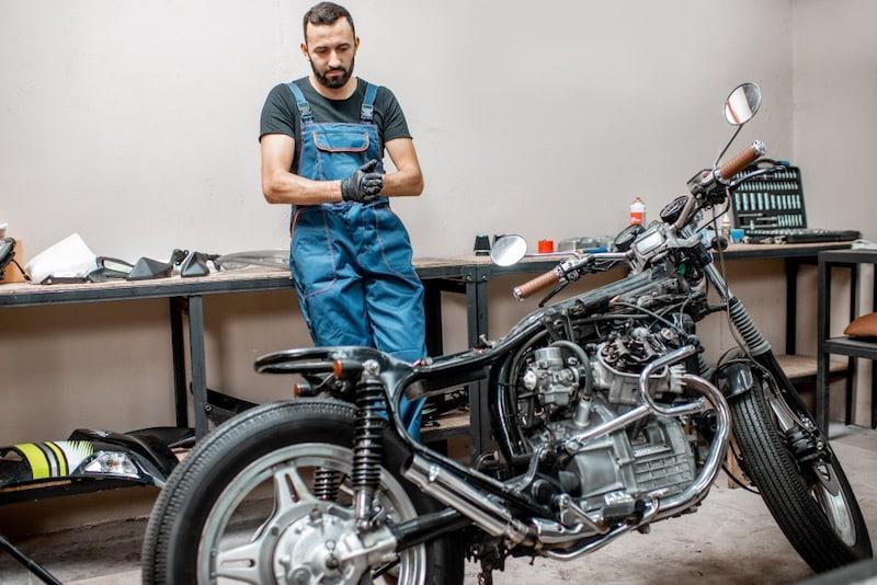 réparer moto