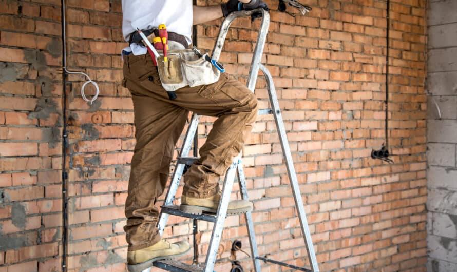 Bien choisir une échelle ou un escabeau : l'outil indispensable vos travaux et le bricolage